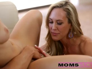 Swiss Bragas Mojadas Fucked Hard & Cherie Deville The Photographer Creampie