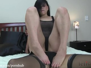 missy minks foot worship and tickle play with juliette march