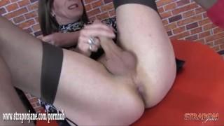 Xxx grátis porno - Strapon Jane - Strap On Sexy Milf Dominadora Fode Masturbando Tvs Rabo Apertado Com Pau Grande