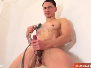 My Athletic neighboor gets filmed horny in a shower !