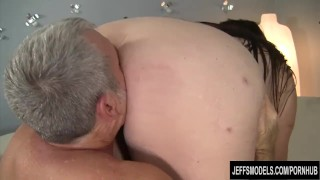 Fat ass Bella Bendz gets fucked