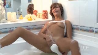 Gorgeous Russian Teen has incredible Orgasm in bath tub
