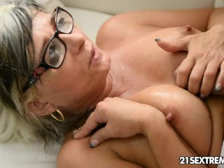 Wheelchair Penis Gilf Jessye Wrestles With A Huge Cock