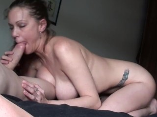 Amateur Mp4 Kneeling On The Bed, Sucking My BF s Huge Hard Cock, Rubbing Cum On My DDDs