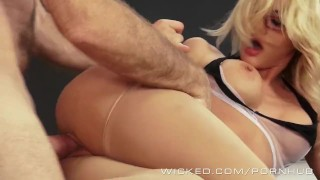 Wicked - Hot blonde teacher Riley Steele takes a big load