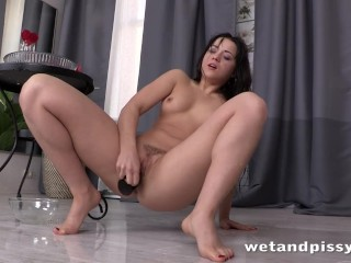 Hot lady in pantyhose loves to piss