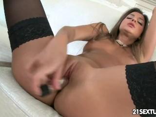 Gorgeous Maria Rya's lingerie teasing