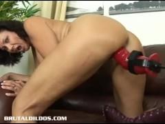 Brunette milf is fucked hard by a brutal dildo machine