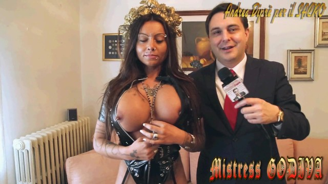 Anal introductio s - Pissing rite by mistress desideria godiva introduced by andrea diprè