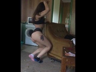 Teen babe dances in abandoned flat