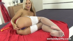 Dido angel sizzling in white stockings