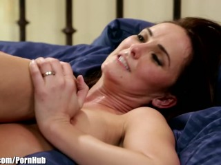 Phoenix marie hot threesome