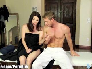 Naked Pin Up Girls Sex Curvy MILF RayVeness Tricked into Fucking Masseur