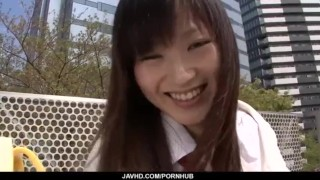 中学生くらいの女の子がメイドコスで膣を弄られて喘ぎ声が漏れるのロリ系動画