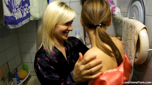 Trina rap start porn pictures - Two party girls start their own bathroom fun