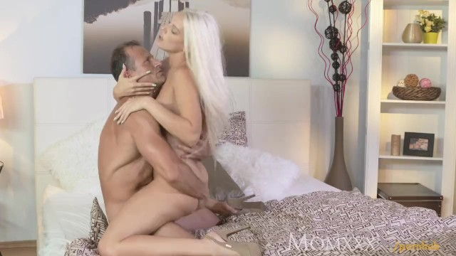 Longest piss george wingfield how - Mom after oil massage and ass licking she gives awesome pov blowjob