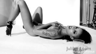 Super sexy Skin Diamond's black & white solo session