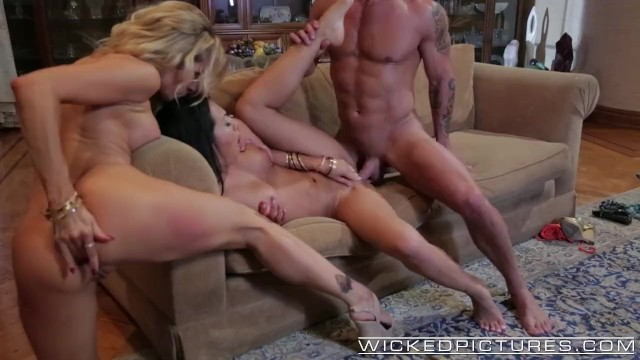 Sex island jessica drake Wicked - akira and drake in perfect threesome