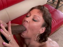 Married muff wants to enter porn because she needs a big cock