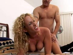 Samantha is a hot milf that want's to be a pornstar