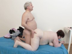 FAT, MATURE COUPLE FUCKING AT HOME !!