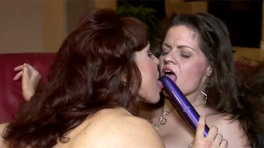 Busty mature lesbians licking pussy and tribbing