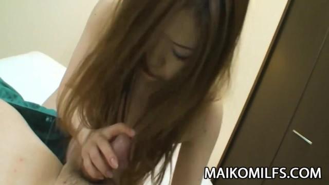 [風間ゆみ]剛毛まんこの色白美少女がまんこに指をねじ込まれて痙攣