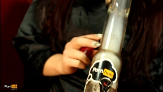 Daisy fucks her tight pussy and rips her bong