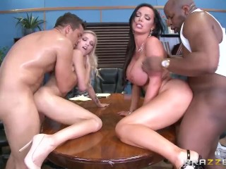 The Swinger Experience Presents Dirty foursome in the court