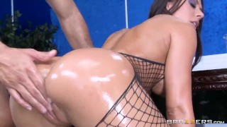 lucky realtor bangs rachel starr hot load in her muscle hunk shows off his student