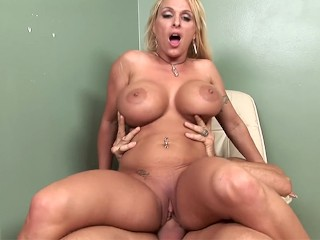 Worldstar after dark vine mature office sex vubado milf blonde huge boobs big tits tattoo or