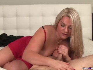 Video first handjob with mommie