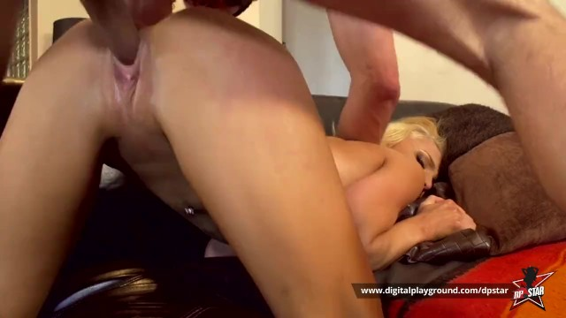 Shes fucking mat damon Dp star 2 sex challenge - alix lynx damon dice