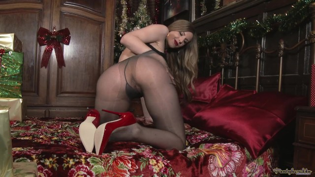 Strip mall designs - Pantyhosed4u stella cox - designer heels and holiday hose