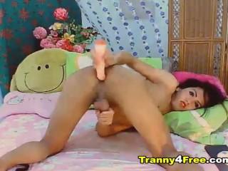Petite Tranny Jerks