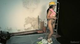 Sónia Engenheira de Obras Feitas / Nailed Hard At The Work Break