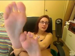 Amber Lily's webcam feet
