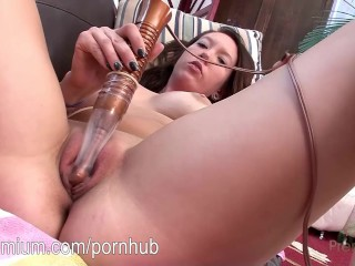 Shannon Wolf gives you some hot masturbation fun