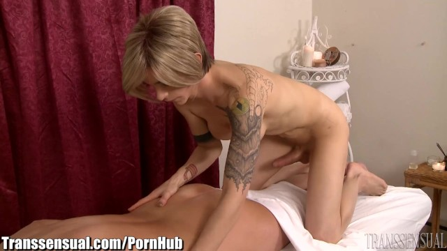 Shemale ass close - Transsensual milf fucked by well hung ts masseuse
