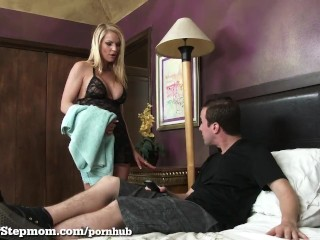 Sons Fucks His Hot Stepmom In The Shower!