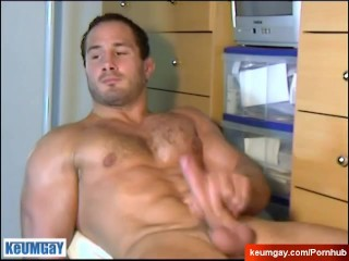 My best str8 friend made a porn: watch his huge cock gets wanked by a guy!