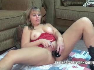 Sister Brother Shower Sex Fucking, Curvy MILF LiisA stuffs a big black dong into her twat Blonde Mas