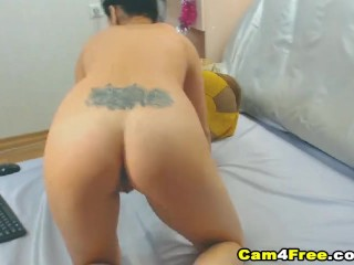 My College Roommate Rubs her Wet Pussy on Cam