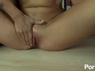 Dana Vespolis Lesbian Pussy Worship - Scene 4
