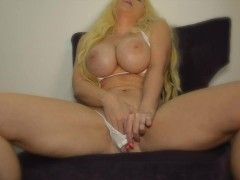 BUSTY BLONDE Kelley Cabbana plays with her tits and finger fucks her pussy