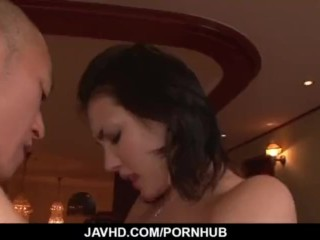 Maria Ozawa loves sucking and fucking in group