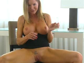 Popular Dating Sites In Australia Fucking, Mature big tit cougars trembling orgasm Big Tits Blonde T