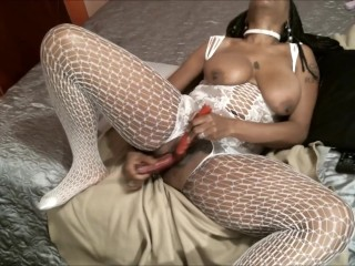 queen diva at home …..look at pornhub getn 1 off..