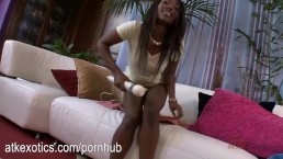 Skyler Nicole loves the vibrator on her black coochie