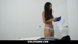 SisLovesMe - I Came Inside My Stepsis